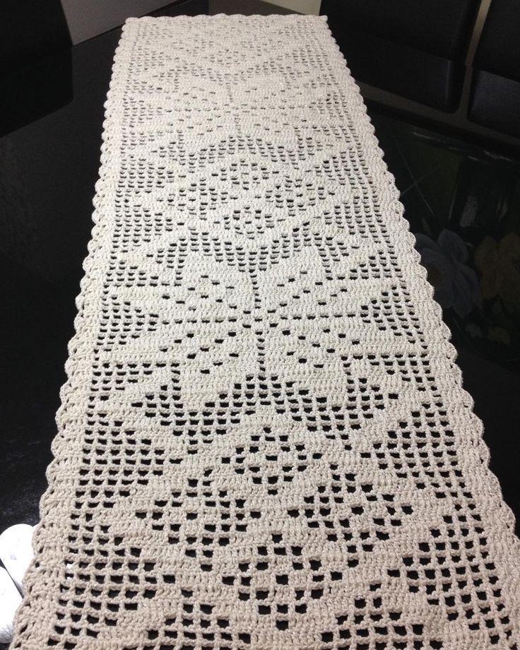 Caminho de mesa de crochê4